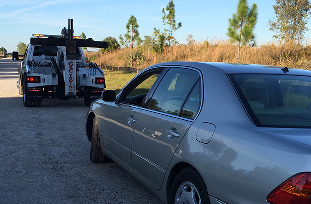 Vehicle Towing in and near Bonita Springs, Estero Florida
