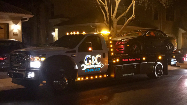 24 Hour Towing in and near Bonita Springs Florida