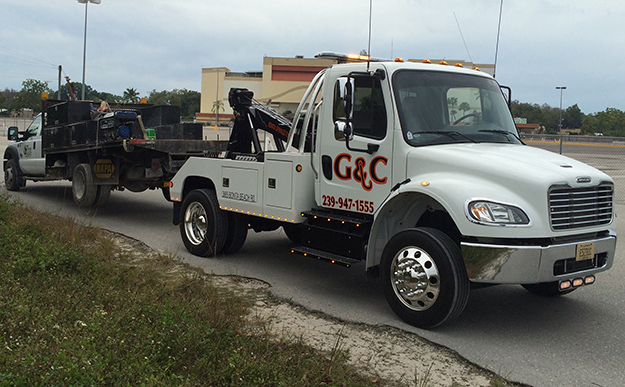 Flatbed Truck Towing in and near Bonita Springs Florida