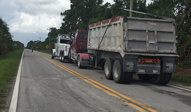 Tractor Trailer Towing in and near Naples Florida